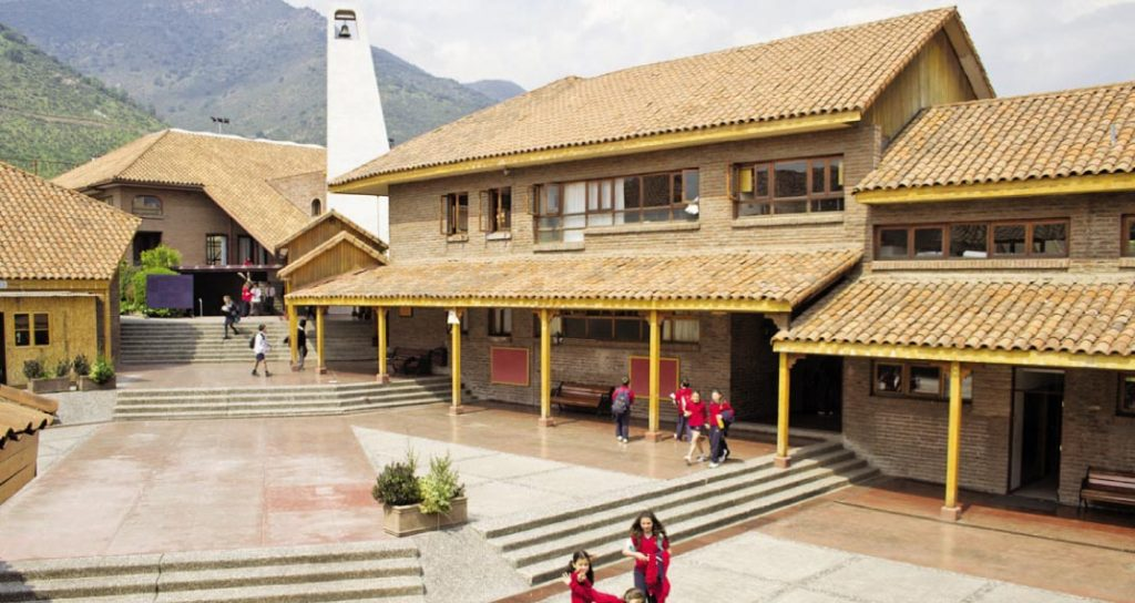 Colegios Padre Hurtado y Juanita de los Andes