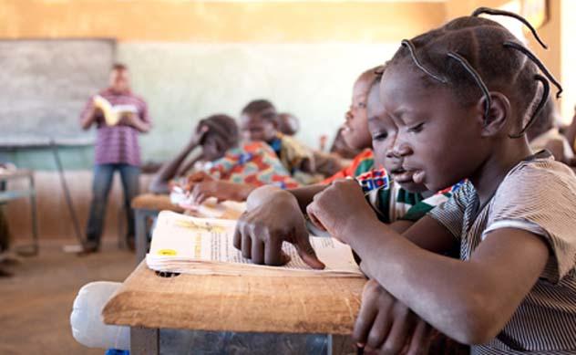 4060_Africa_EducaciónInterior