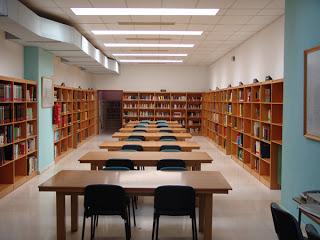 biblioteca vacia